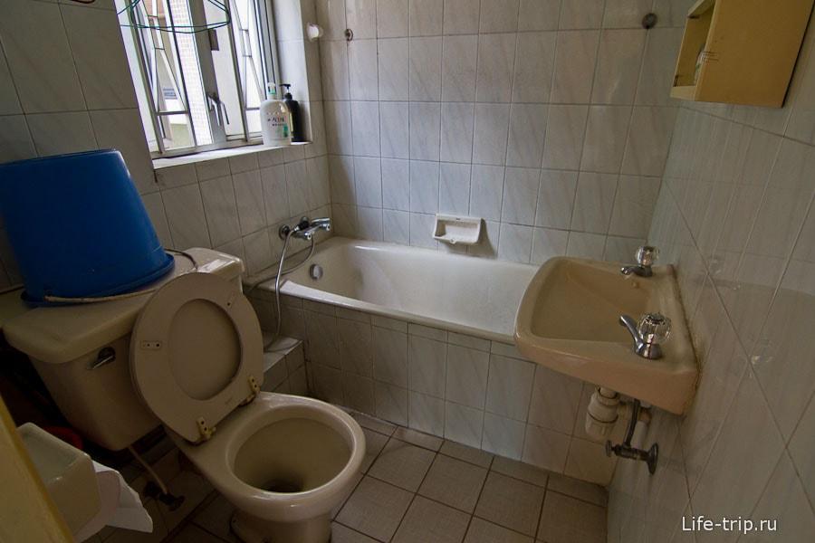 В других номерах есть ванна - роскошь по местным меркам