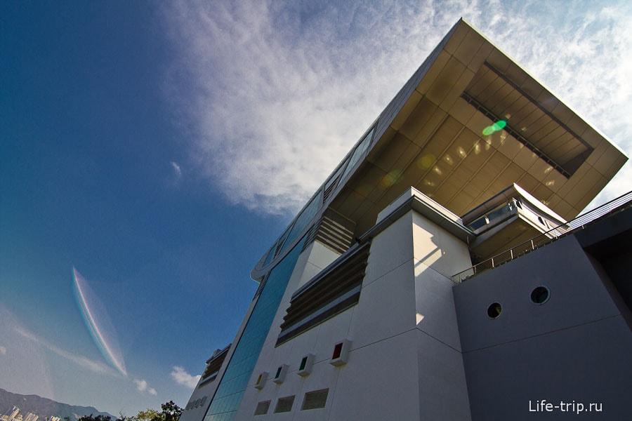 Смотровая площадка пика Виктории Sky Terrace 428