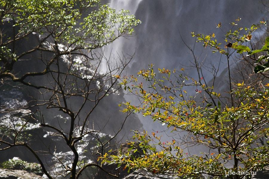 Около водопада Клонг Лан