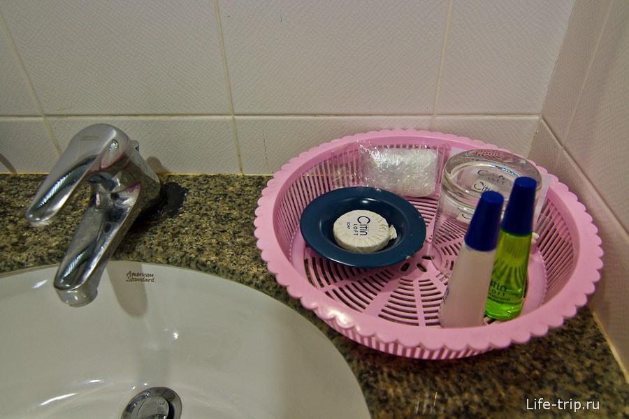 Мыльные принадлежности в ванной