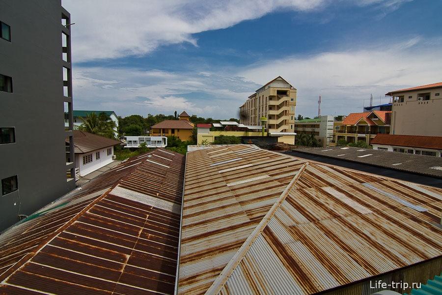 Отличный вид на крыши