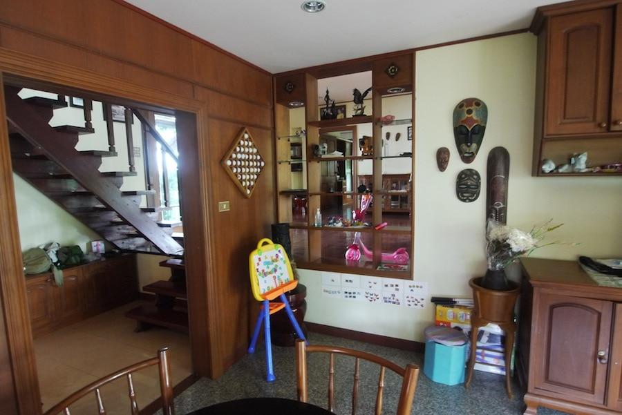 Дом agenda и samlowry всего за 16 тыс бат. Посуточно такой будет стоить целое состояние
