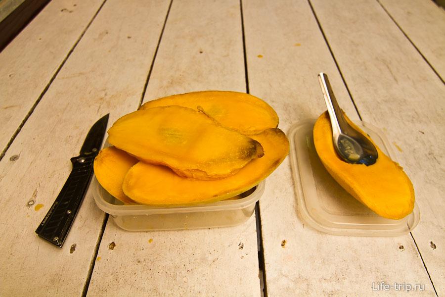 Какие фрукты привезти из Тайланда - манго!