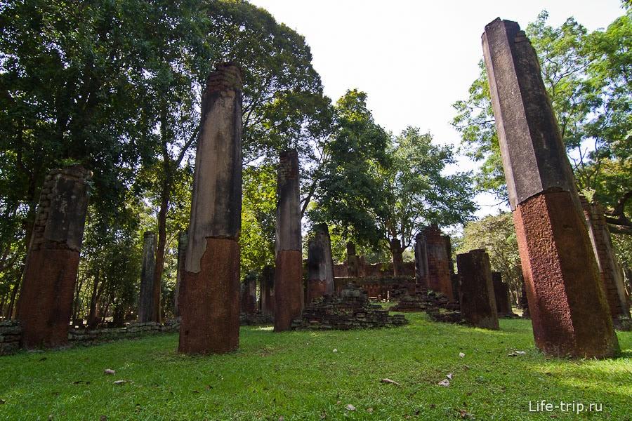 Остатки храма Wat Phra Non