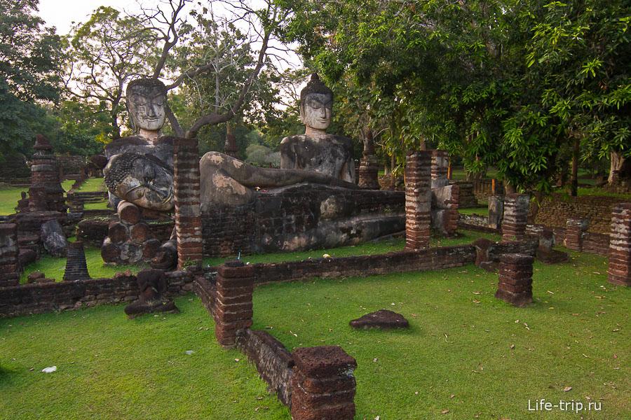 Отреставрированные статуи Будд