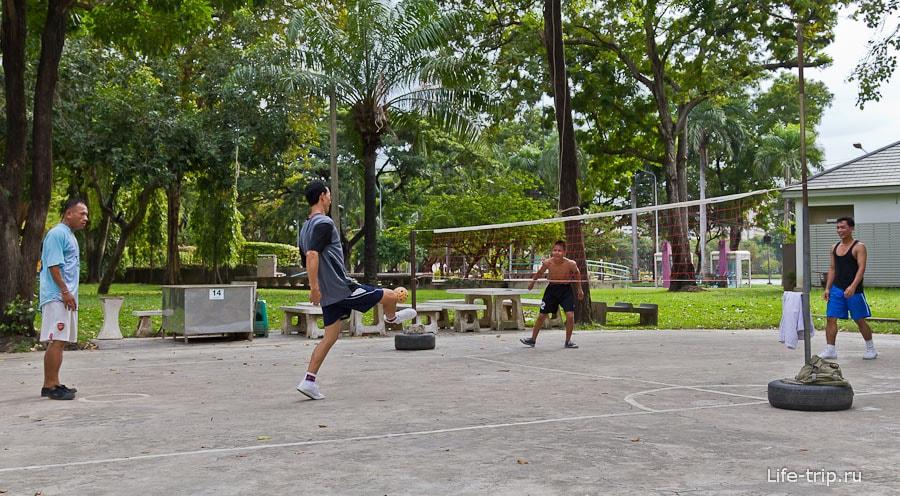 Игра Такро - волейбол ногами