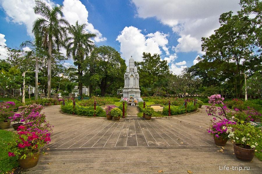 Парк Саранром в Бангкоке