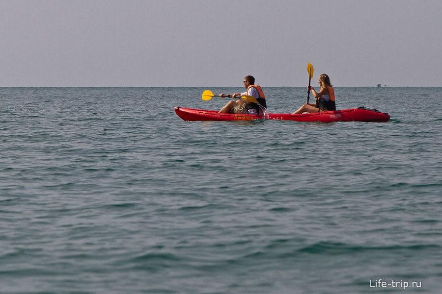 На каяках плаваем по ближайшим островам