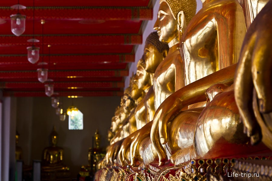 Сотни фигур Будды