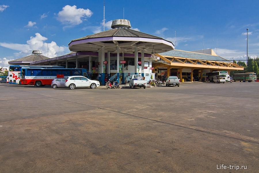 Arcade Bus Terminal - старое здание автовокзала в Чианг Май