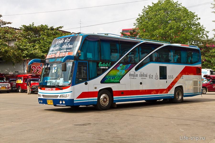 Междугородние автобусы выглядят вот так, бывают еще и двухэтажные
