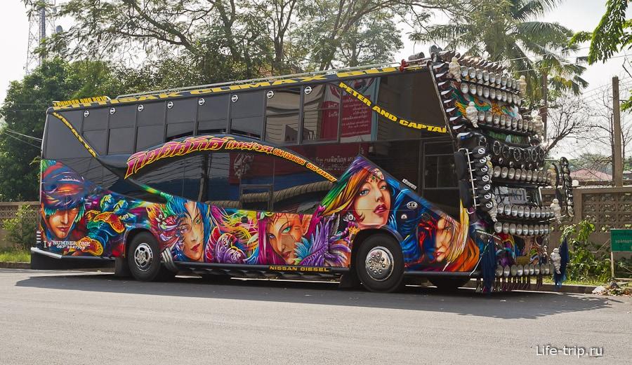 Автобусы местного значения могут быть очень колоритными