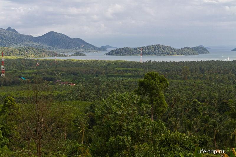 Вид со смотровой площадка на бухту Salak Phet