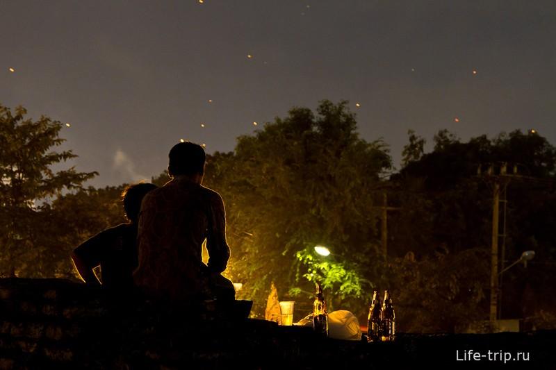 Лой Кратонг и Йипенг фестиваль (36)
