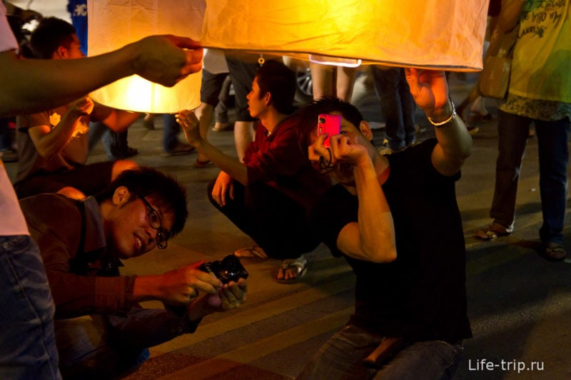 Лой Кратонг и Йипенг фестиваль (28)
