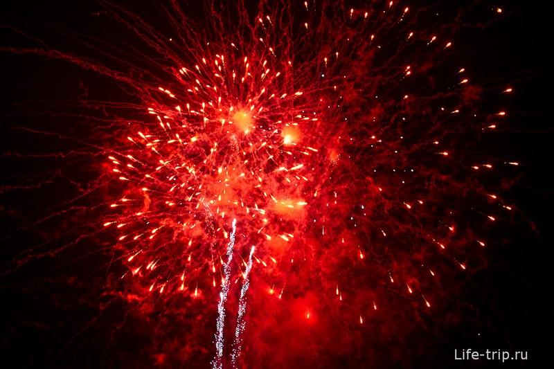 Лой Кратонг и Йипенг фестиваль (8)