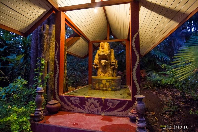 Туннельный храм Wat Umong (24)