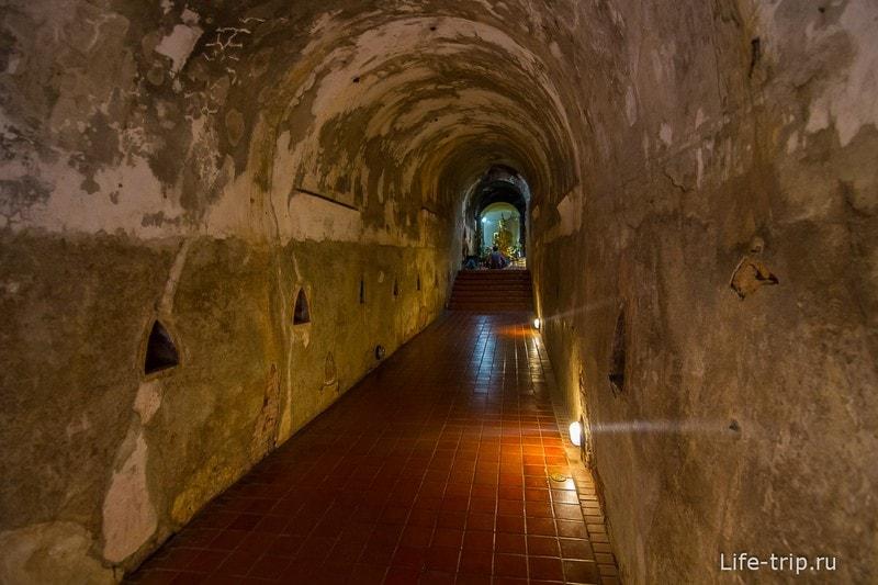 Туннельный храм Wat Umong (10)