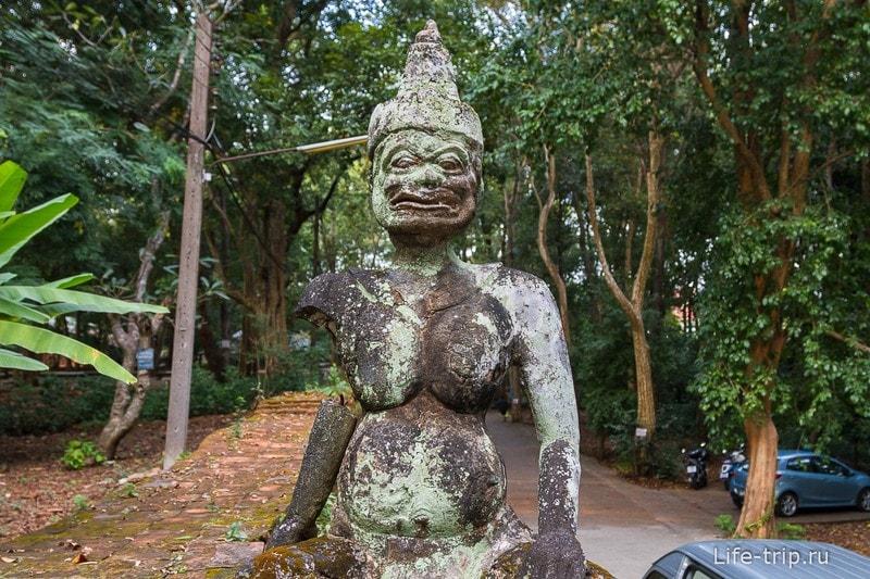 Туннельный храм Wat Umong (3)