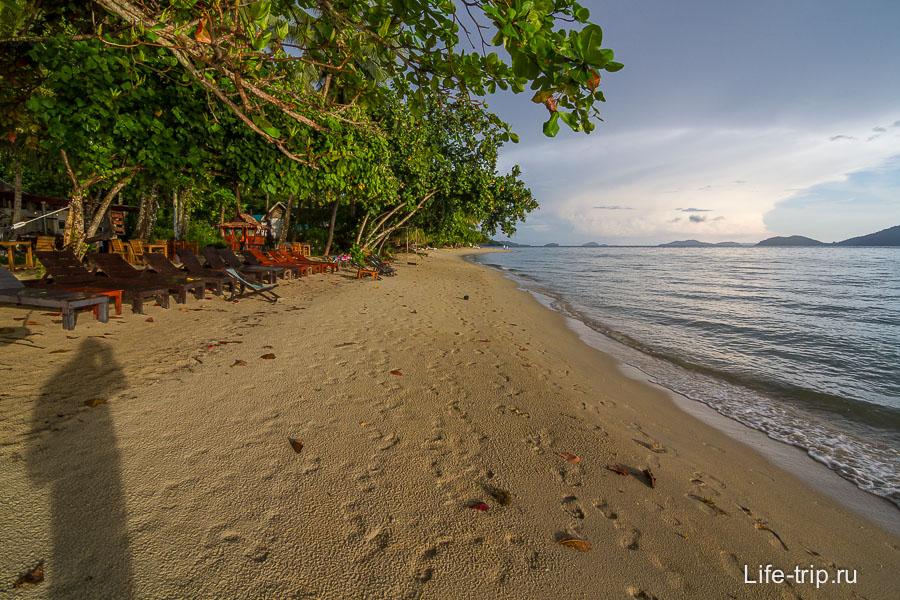 Klong Kloi Beach около резорта