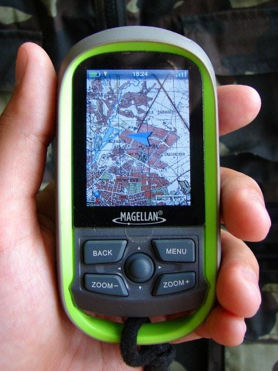 Мой навигатор Magellan eXplorist GC. На экране - топографическая карта Харьковской области