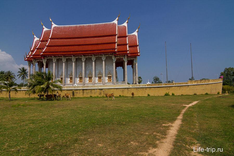 Boat temple