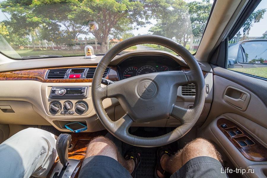 Первый опыт вождения праворульной машины