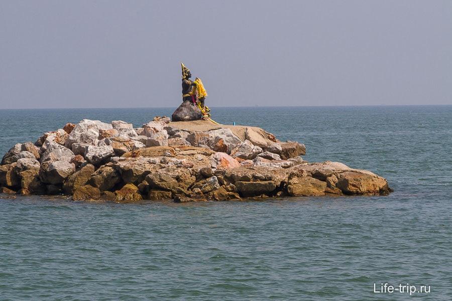 Островок рядом пляжем Пак Тиан