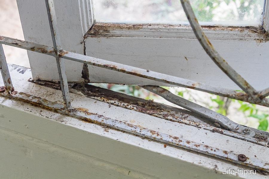 Старые и ржавые окна