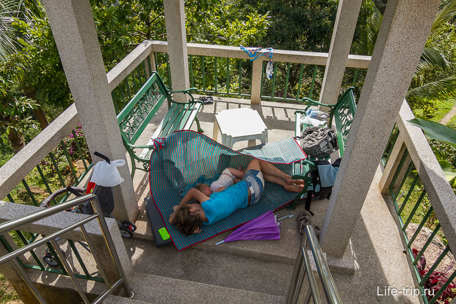 Кровать на открытом воздухе