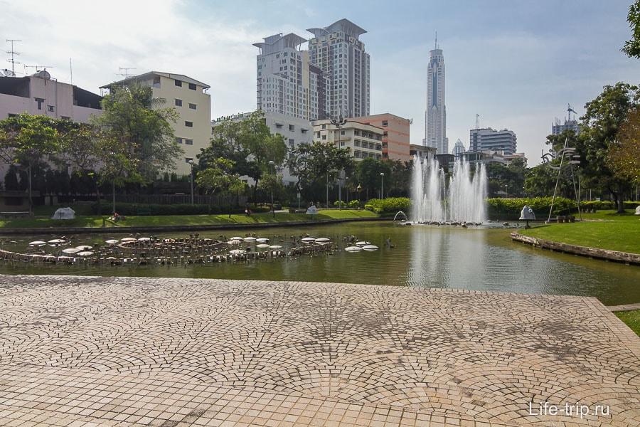 Santiphap Park в Бангкоке