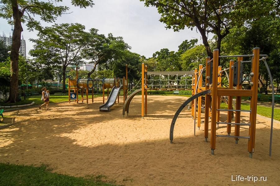 Детская площадка, но для более старших деток