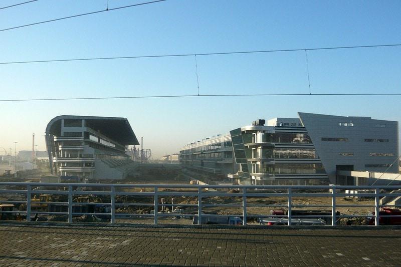 Стройка в Олимпийском парке за месяц до начала Олимпиады