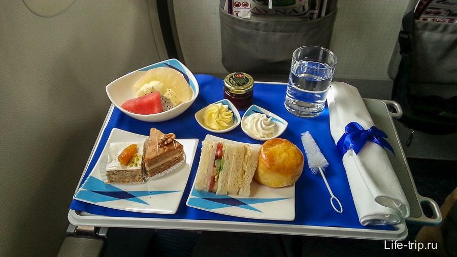 Еда для пассажиров бизне-класса Bangkok Airways