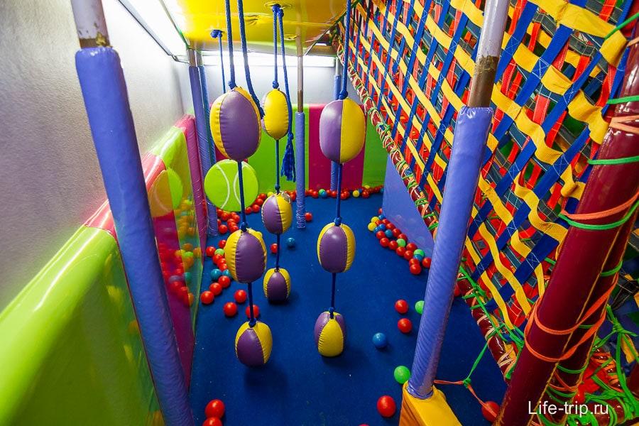 Детская площадка в Big C