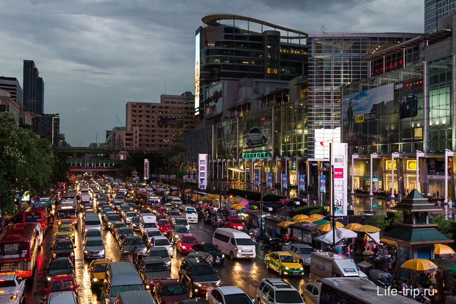 Час пик в центре Бангкока