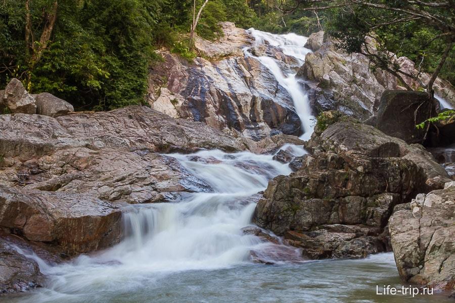 Водопад Хин Лад на длинной выдержке и приближении
