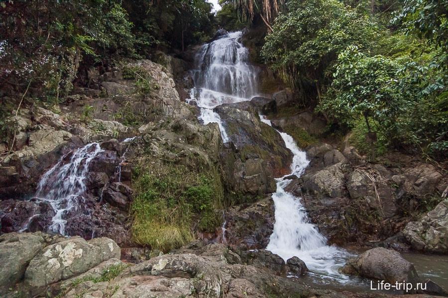 Водопад Намуанг 2 (правая часть)