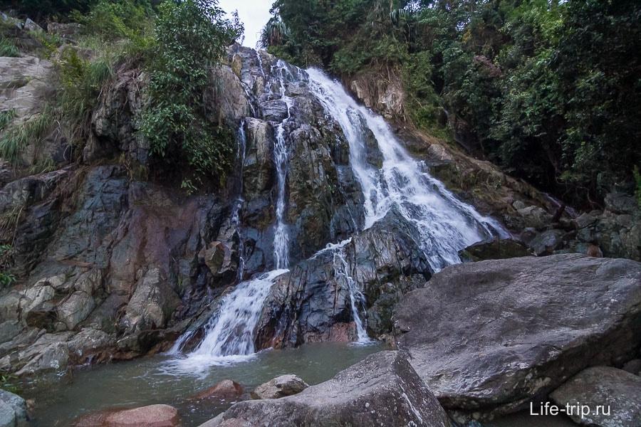 Еще один водопад слева от Намуанг 2