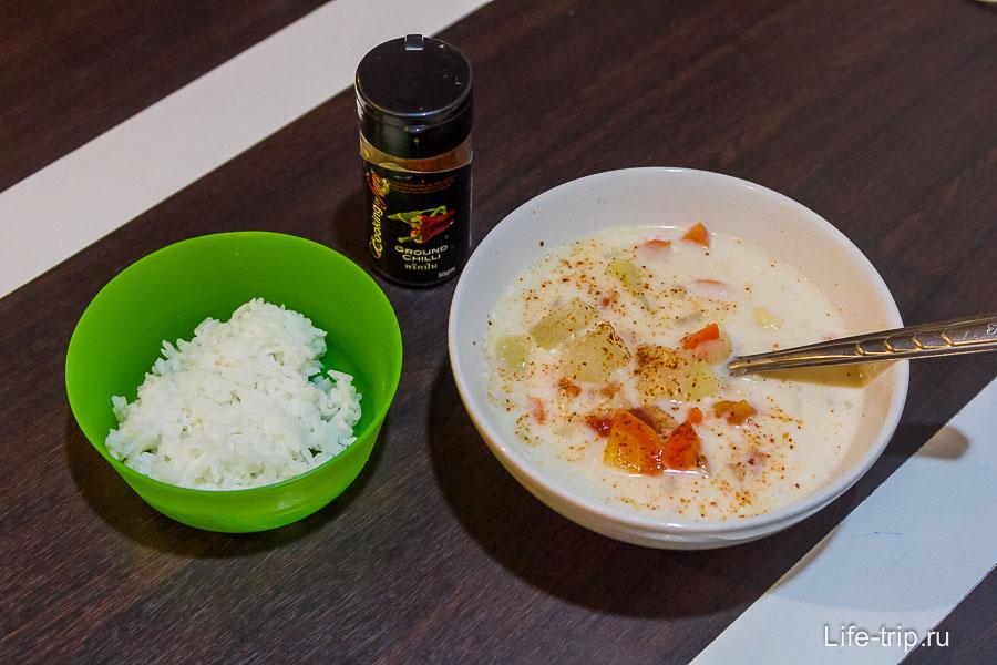 Суп Том Кха + рис + перец по вкусу