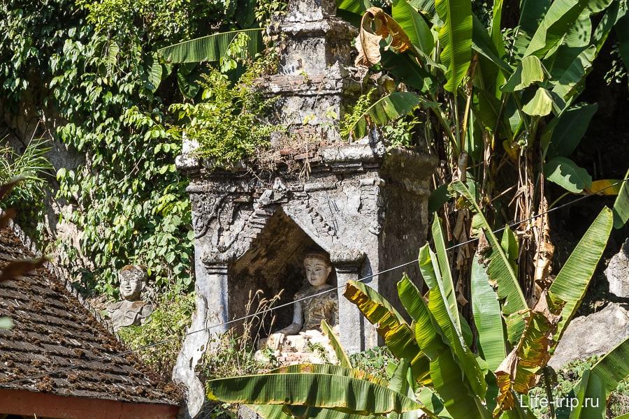 Остатки старого храма
