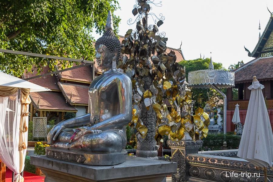 Даже Будда и тот не золотой
