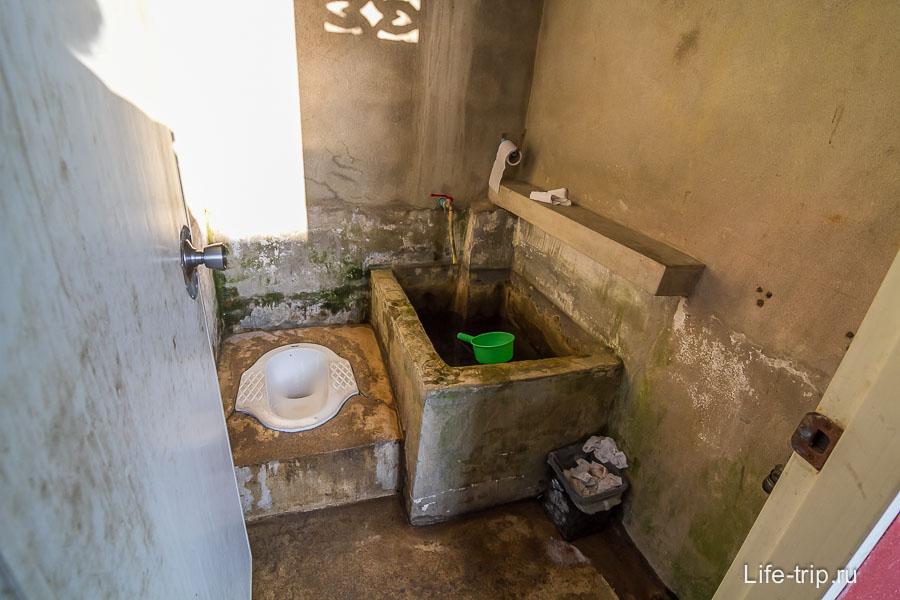 Общественный туалет жесть