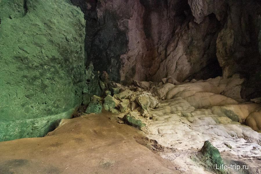 В одном из закоулков зеленые стены