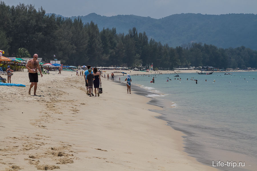 Пляж Банг Тао середина