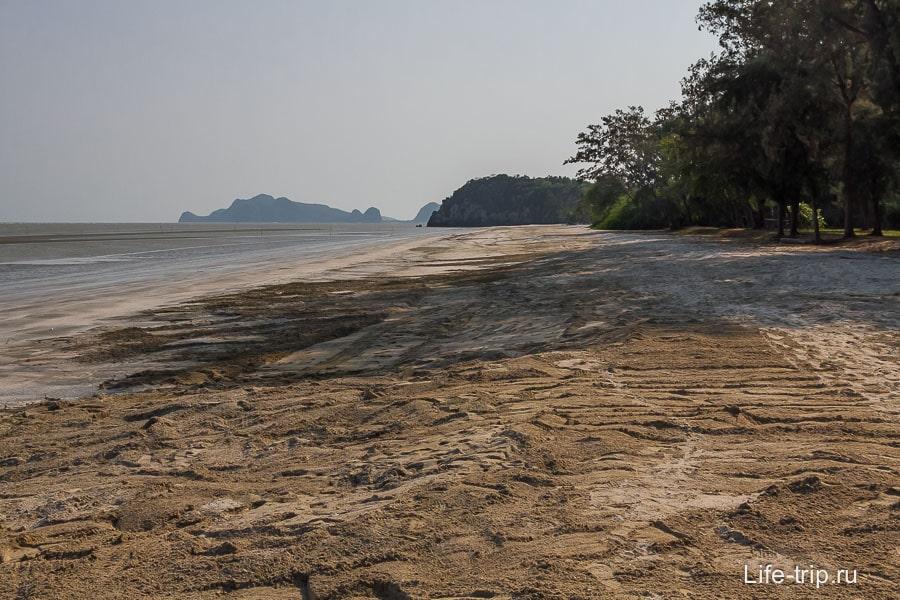 sam-phraya-beach-03