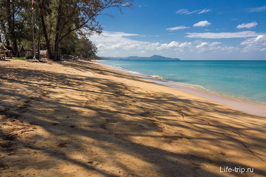 mai-khao-beach-01