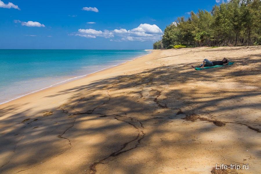 mai-khao-beach-02