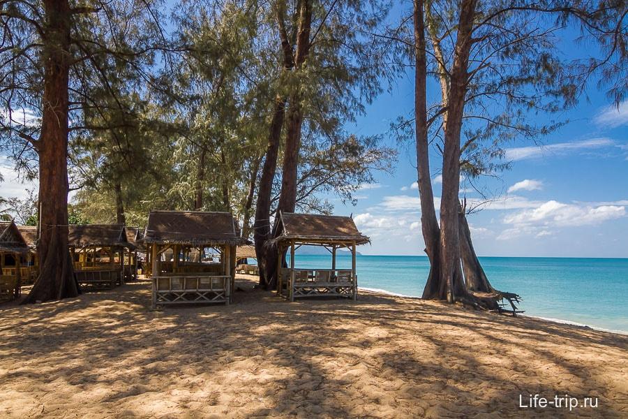 mai-khao-beach-03