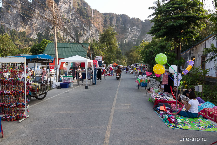 Walking street - вечерний рынок в Аонанге